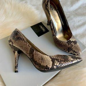 Mossimo High heels Snake. Size 7.